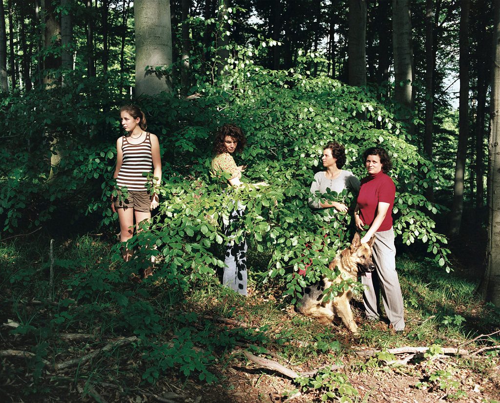 Christine and Irene Hohenbüchler, with their sister Heidemarie, artists and daughter Juli, Eichgraben, Vienna Forest (AT), 05/07 (right to left)