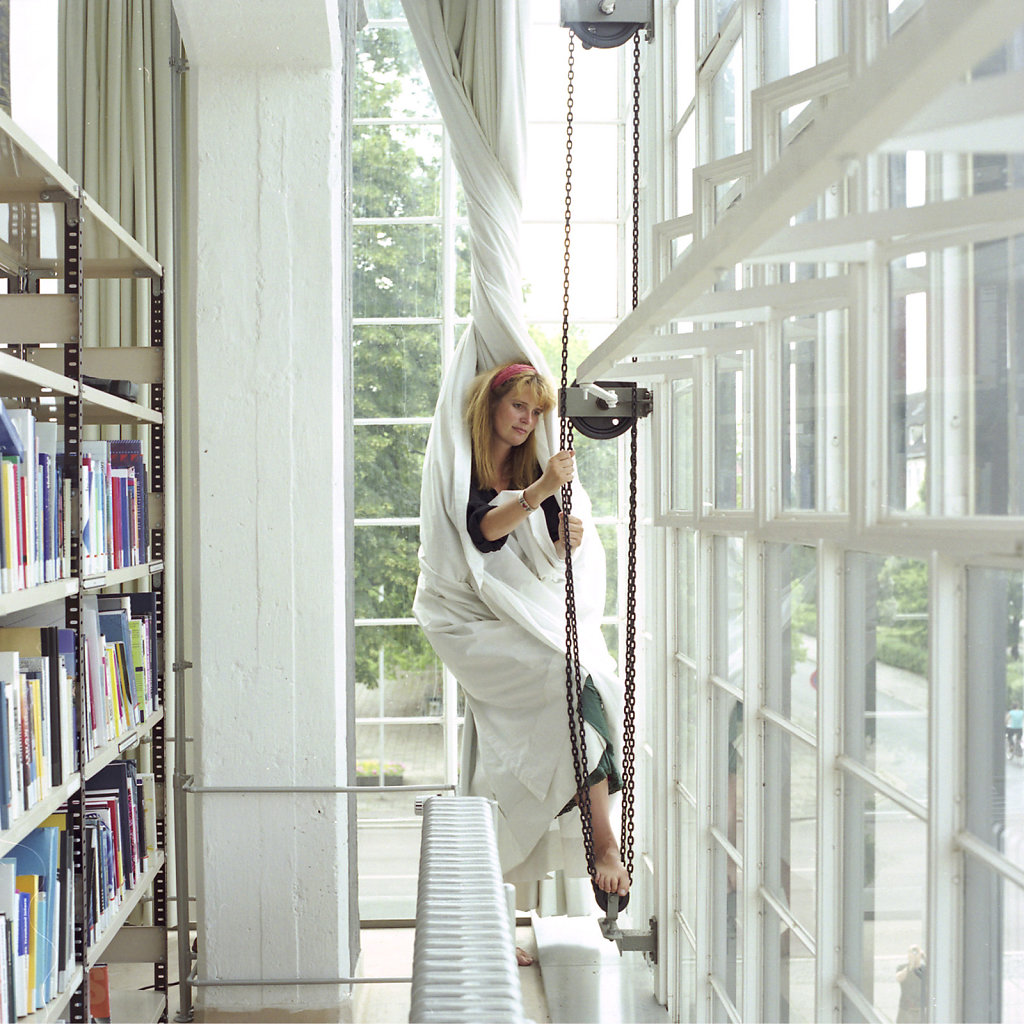 Kathrin Kolleck, Bibliothekarin, Bibliothek, Bauhaus Dessau, 06/06