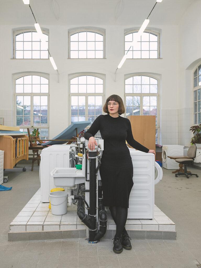 Ella, Kunsthistorikerin